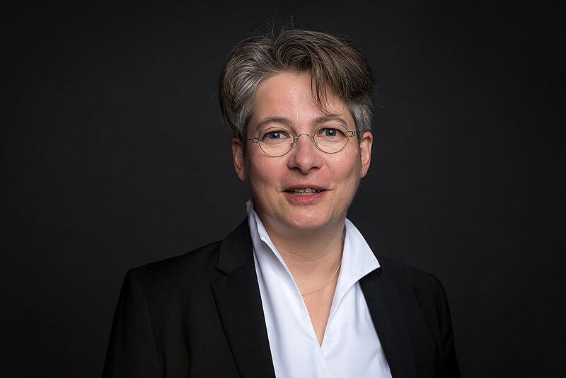 Bettina Offer
